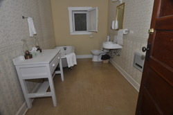 Tonto Bridge Lodge- bathroomjpg