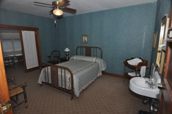 Tonto Bridge Lodge- bedroom