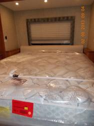 MN RV Show Leisureway bed