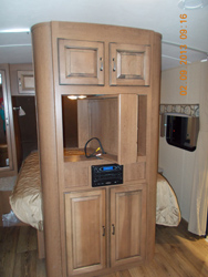 MN RV2 swinging TV